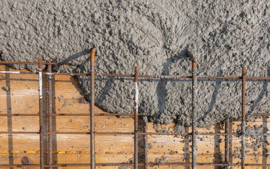 Świeży beton – jak pielęgnować beton i jak dbać o niego latem i zimią
